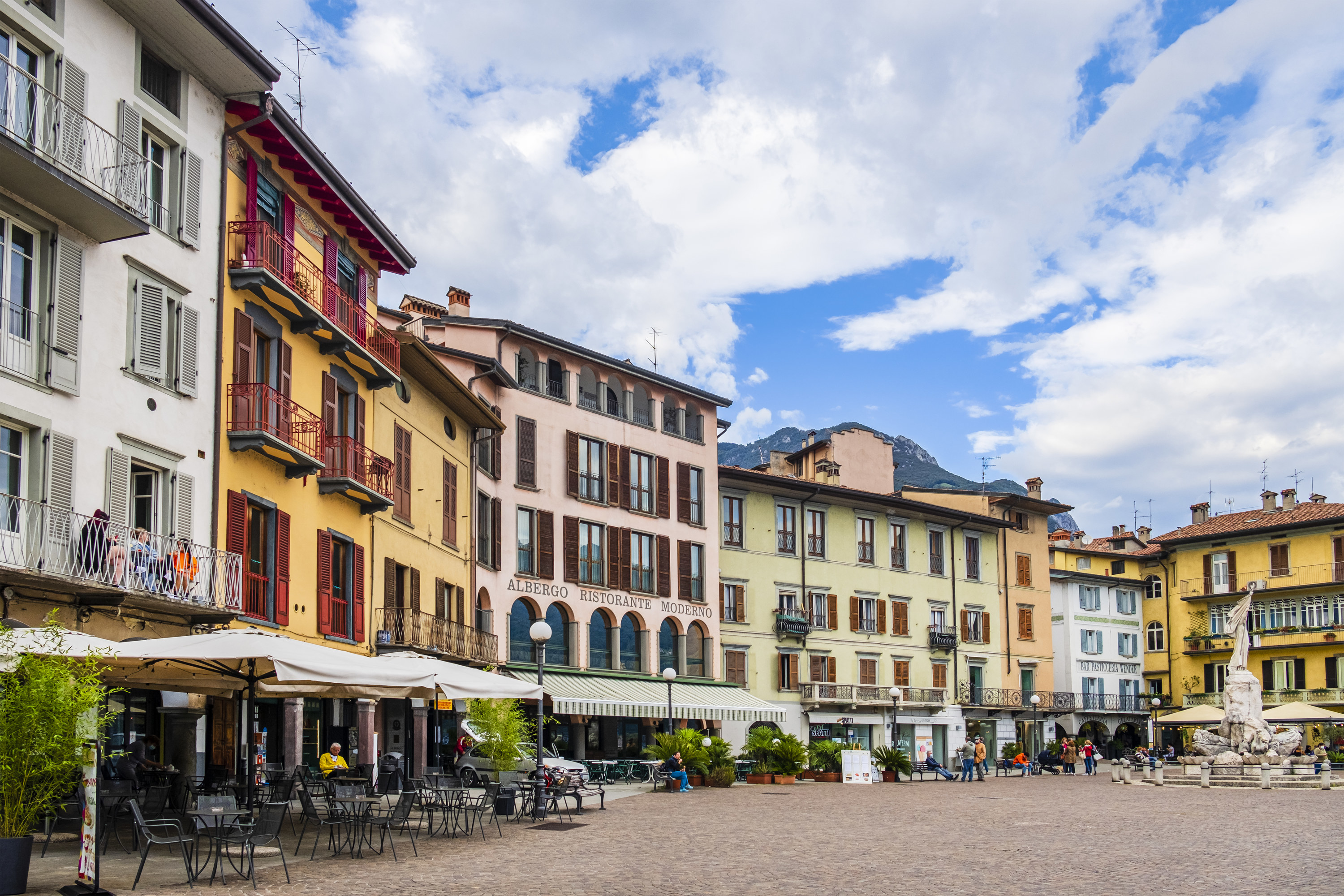 A quiet square in Italy.