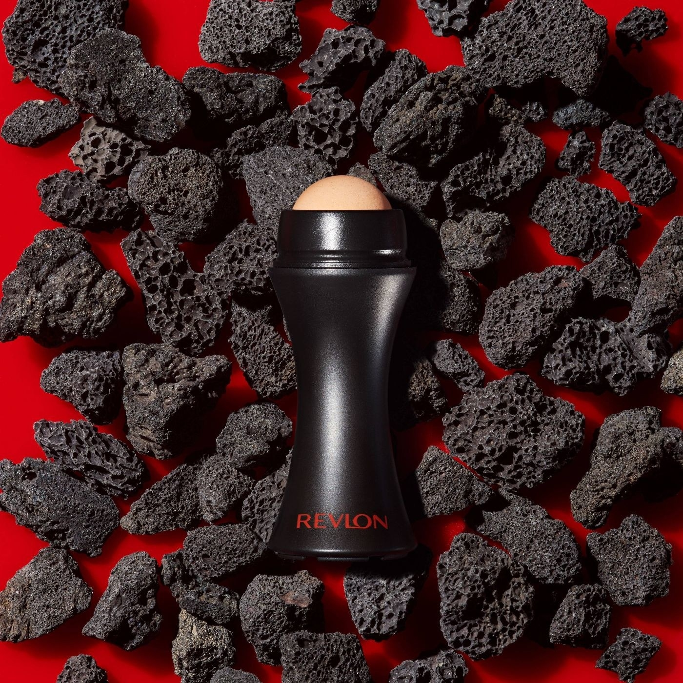A oil absorbing volcanic roller