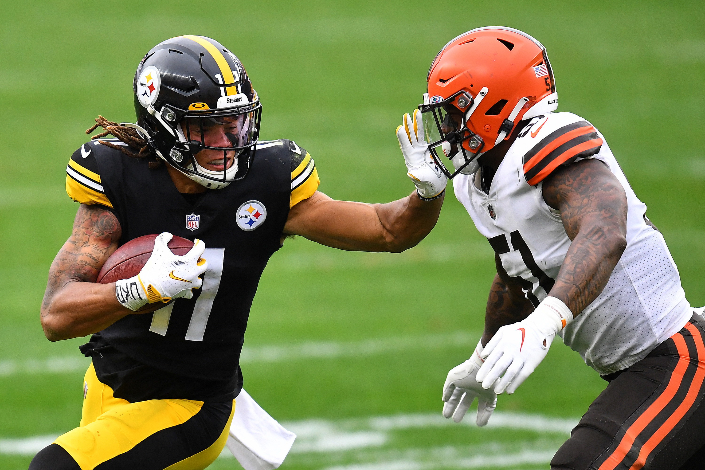 Black and gold Steelers uniforms