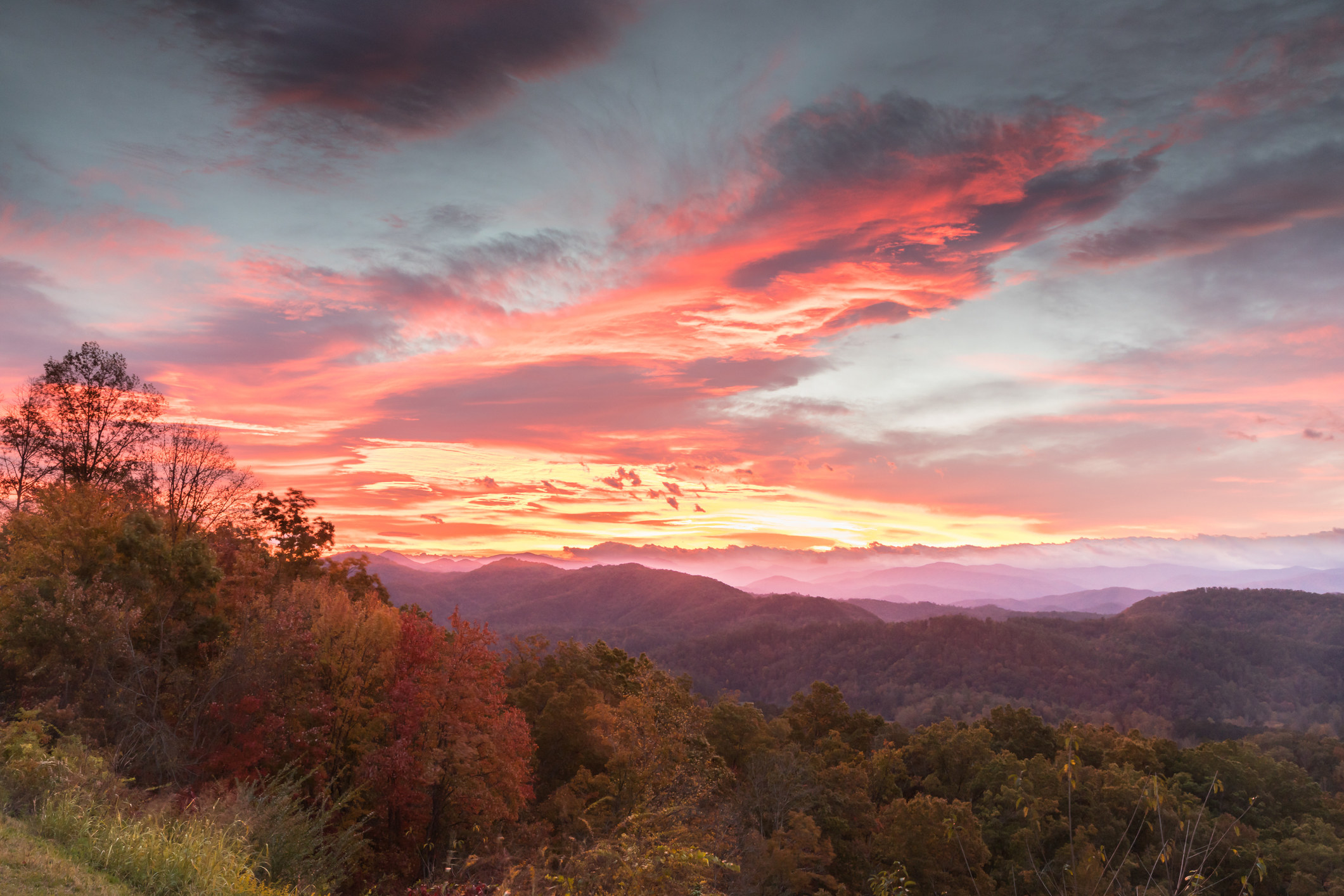Sunrise inSmokey Mountains National Park, Tennessee.