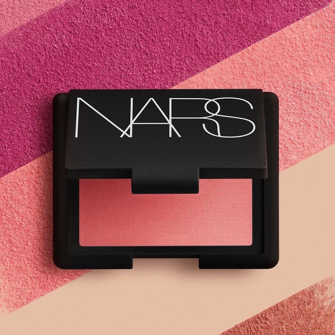 the blush compact