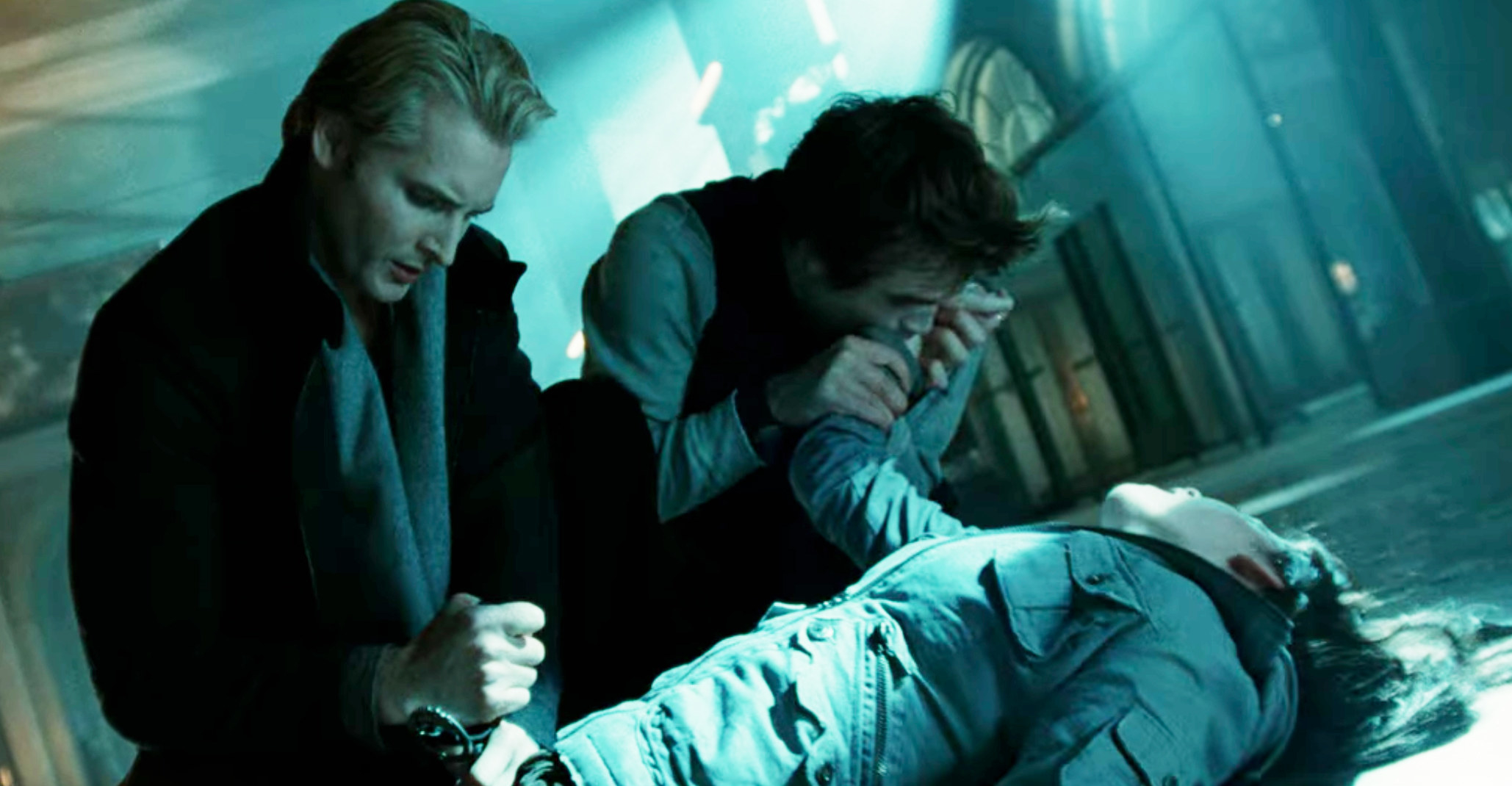 Edward sucking the venom out of Bella in the dance studio
