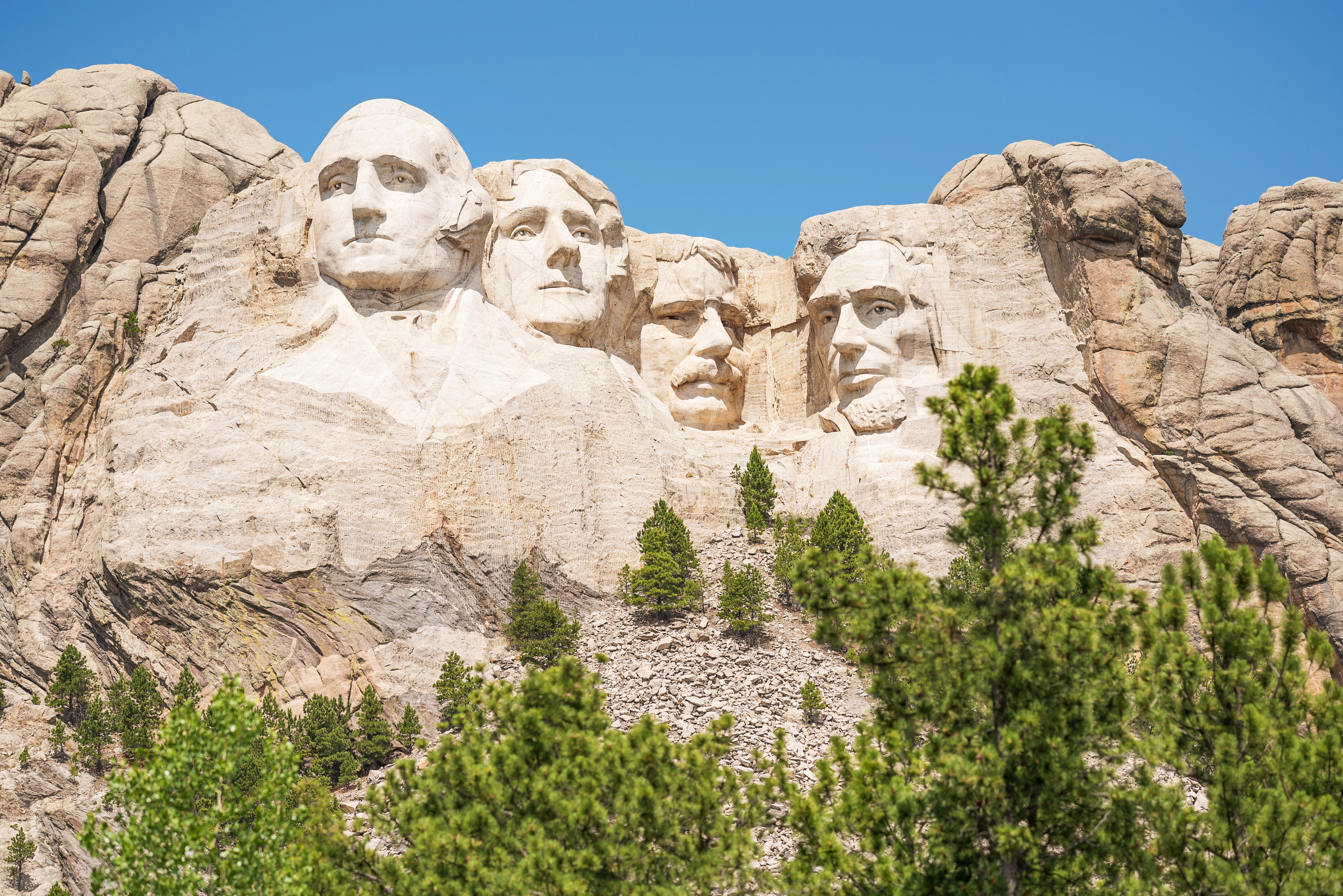 A sunny day at Mount Rushmore
