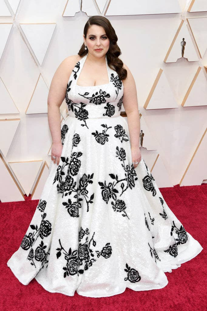Beanie Feldstein on the red carpet of the 92nd Annual Academy Awards