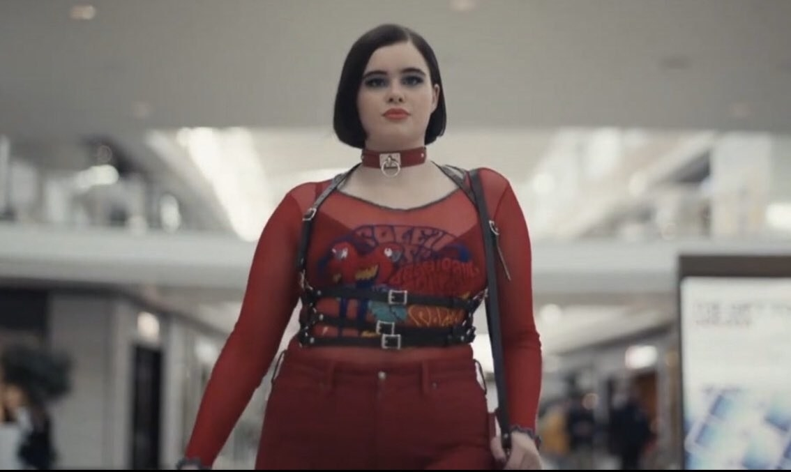 Kat looking like a bad bitch walking through the mall