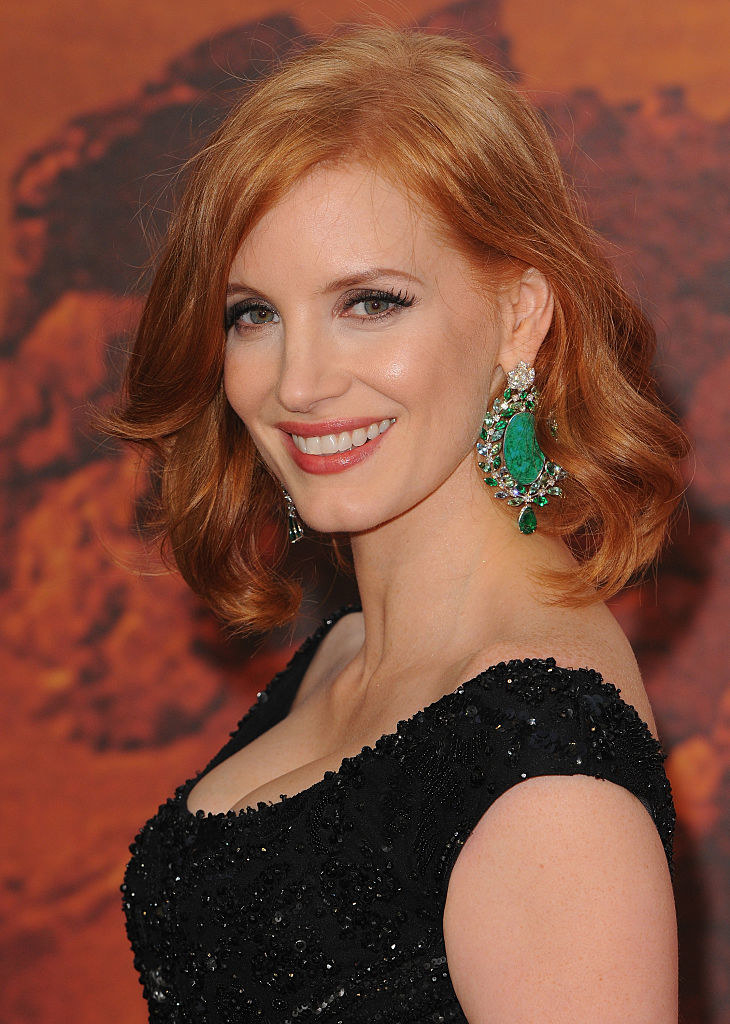 """Jessica Chastain smiles at the European premiere of """"The Martian"""""""