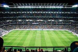 Football stadium / Unsplash / https://unsplash.com/photos/qCrKTET_09o