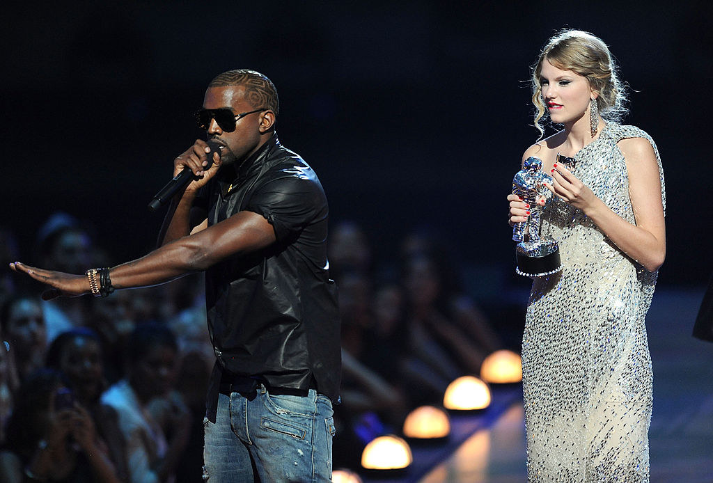 Kanye West interrupting Taylor Swift on stage at the 2009MTV VMAs