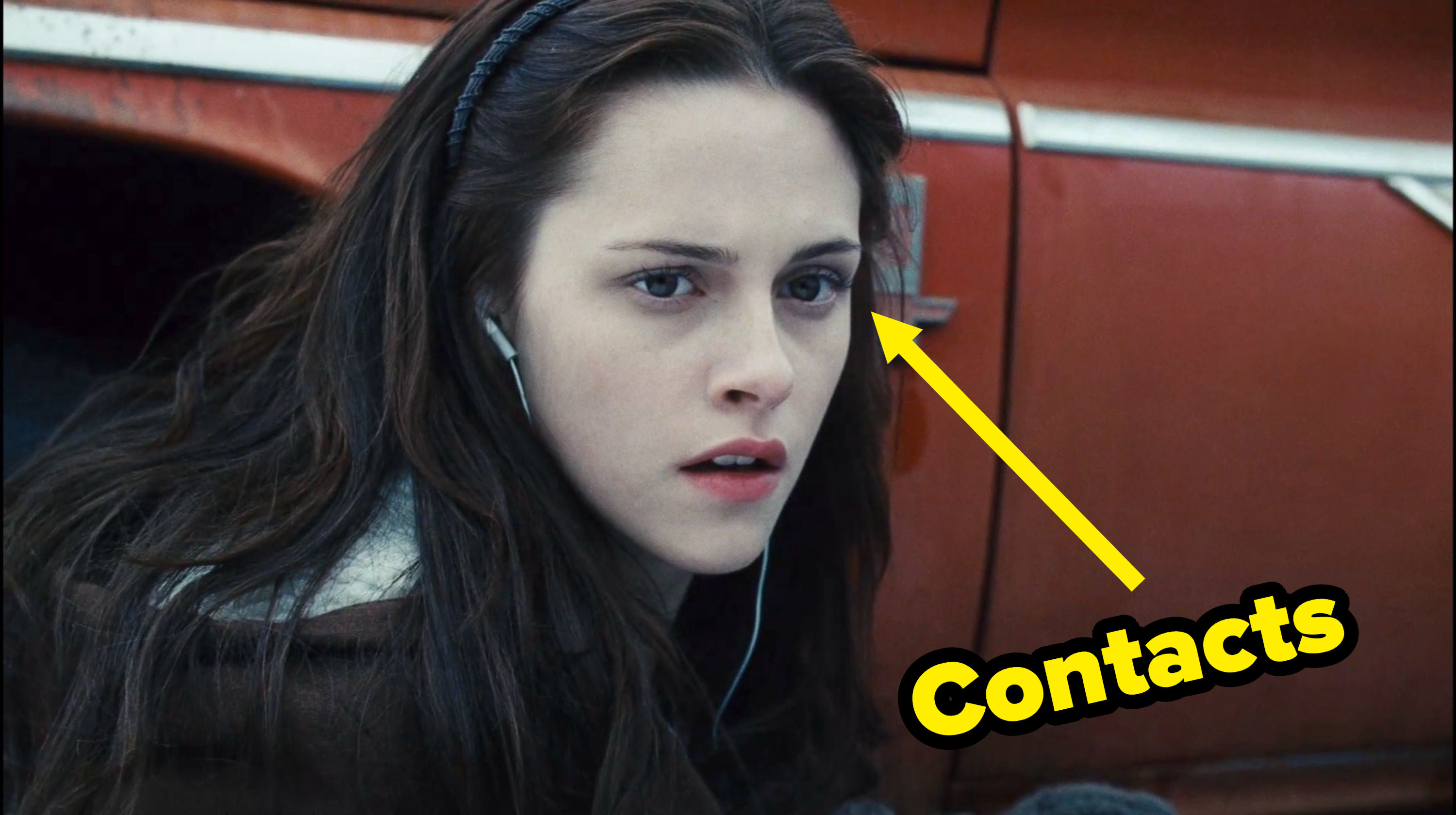 Kristen Stewart in Twilight with brown colored contacts