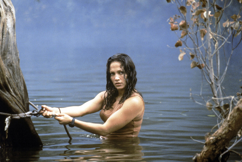 Jennifer Lopez bathes in a river