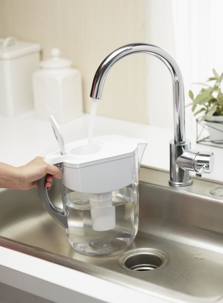 A 10-cup water filter pitcher