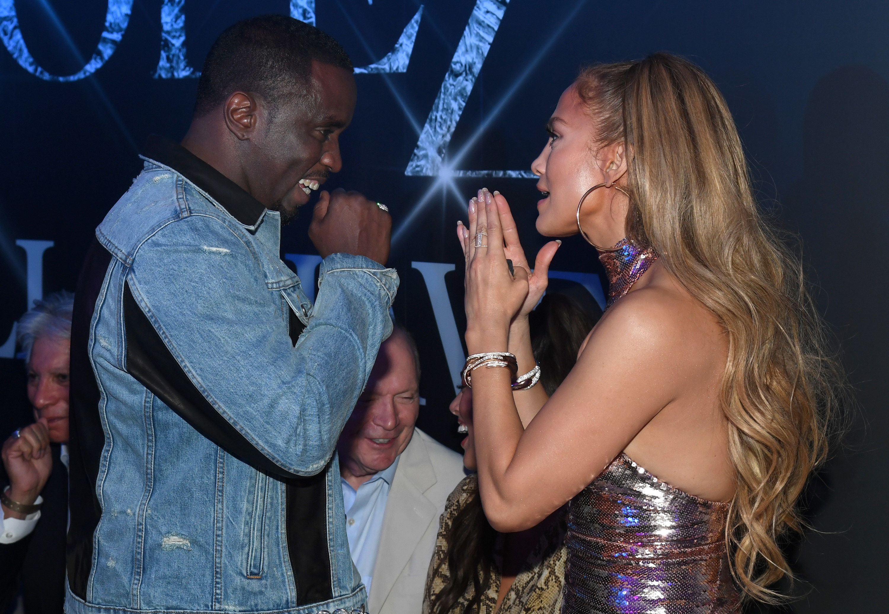 Jennifer and Diddy face each other to talk at the afterparty