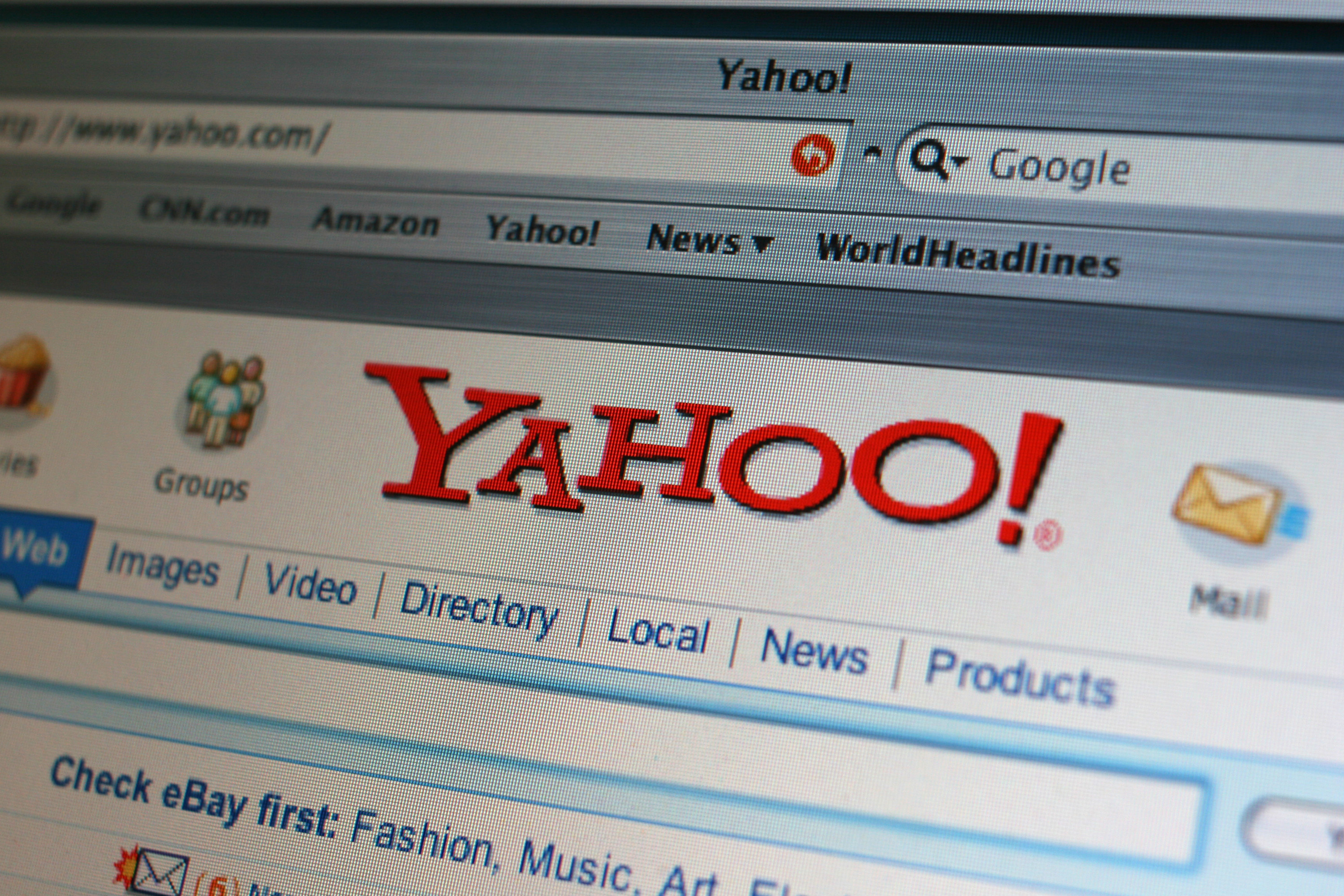 The old Yahoo header from the desktop site