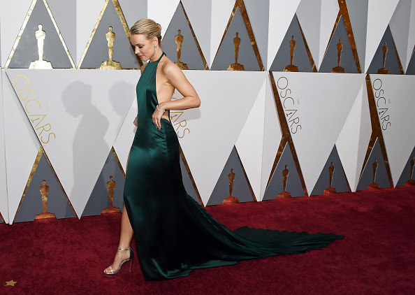 "Rachel McAdams wears an ""Atonement""-esque dress to the Oscars"
