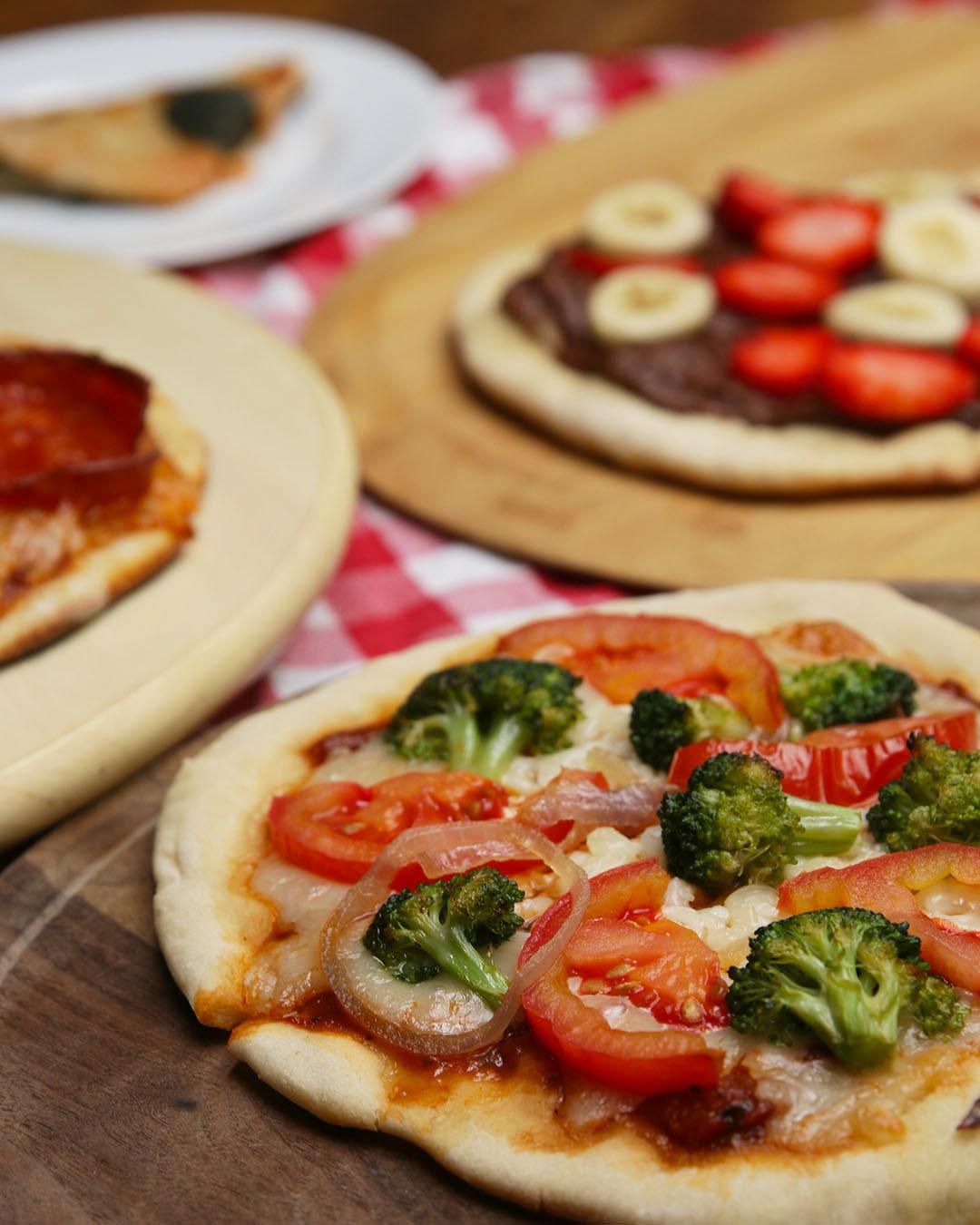 Frozen Personal Pizza Prep