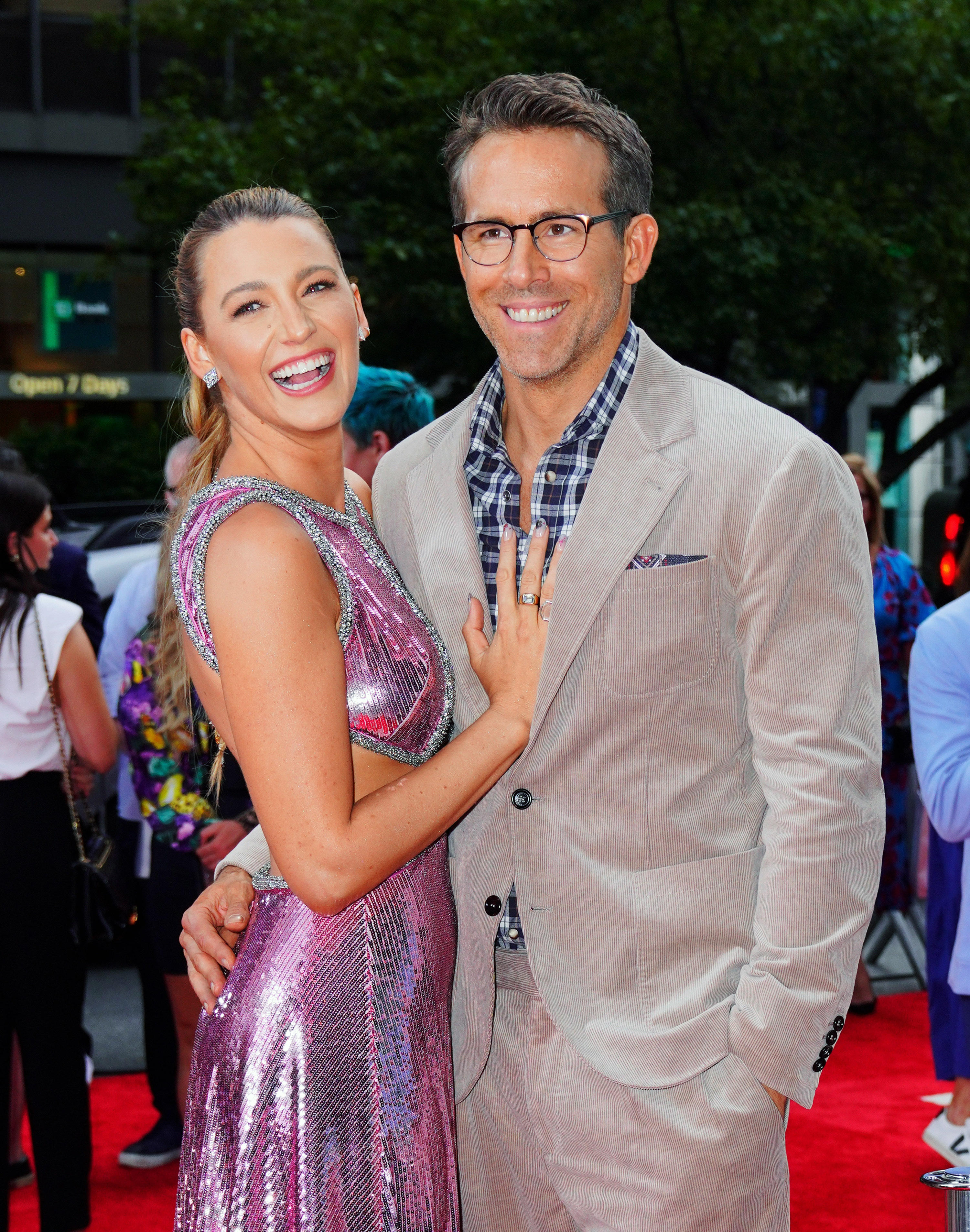 Blake Lively and Ryan Reynolds are photographed on the red carpet