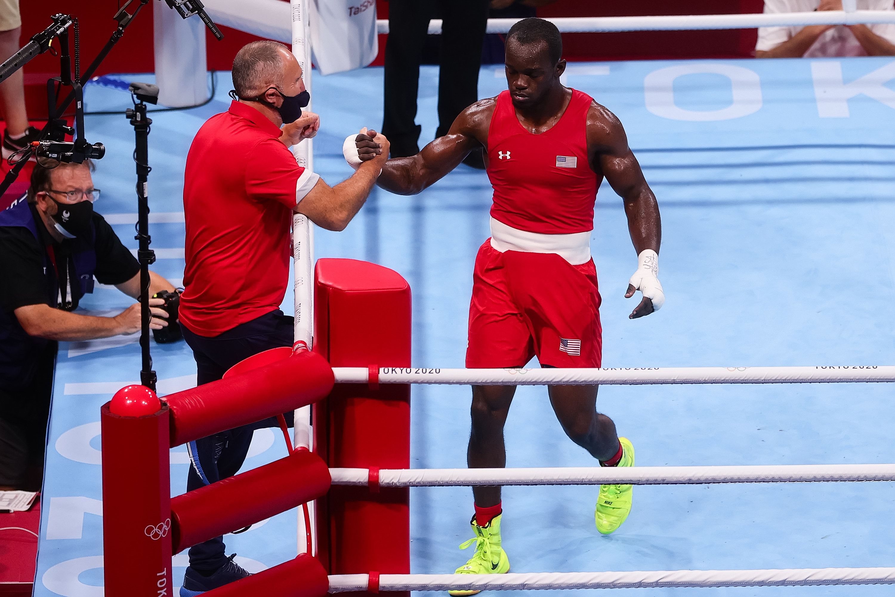 Isley wins the fight during the Men's Middleweight Boxing Preliminary match