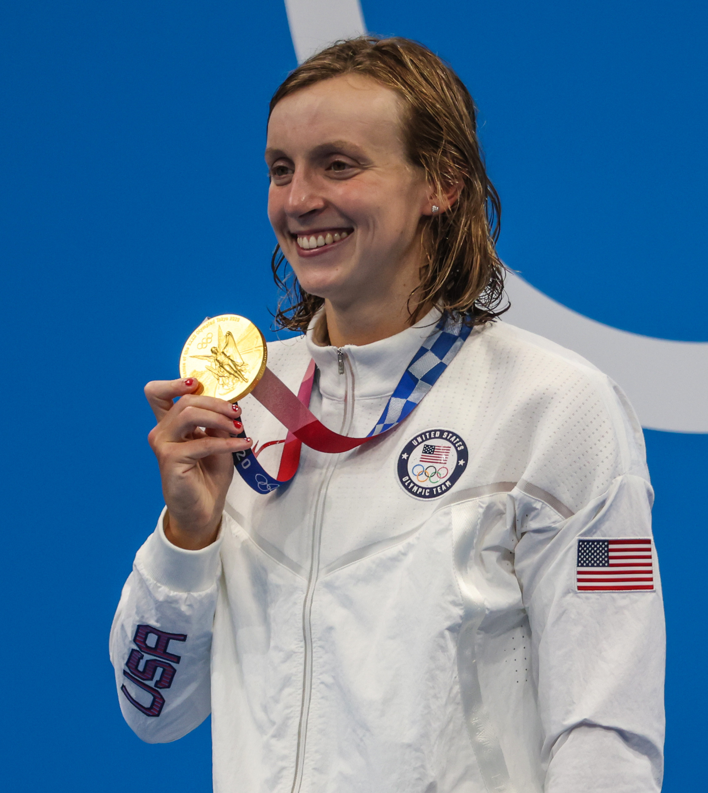 Ledecky receiving her Gold Medal for the Women's 1500m Freestyle