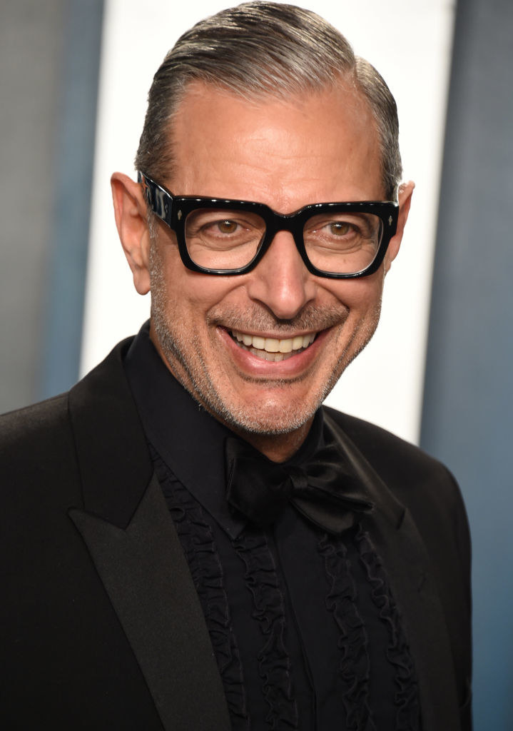 Jeff Goldblum wears an all-black tux and glasses to the 2020 Vanity Fair Oscar Party