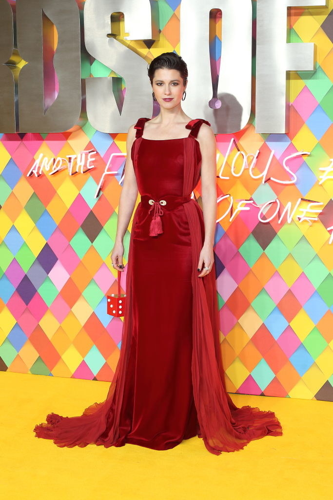 """Mary Elizabeth Winstead wears a red velvet gown at the world premiere of """"Birds of Prey"""""""