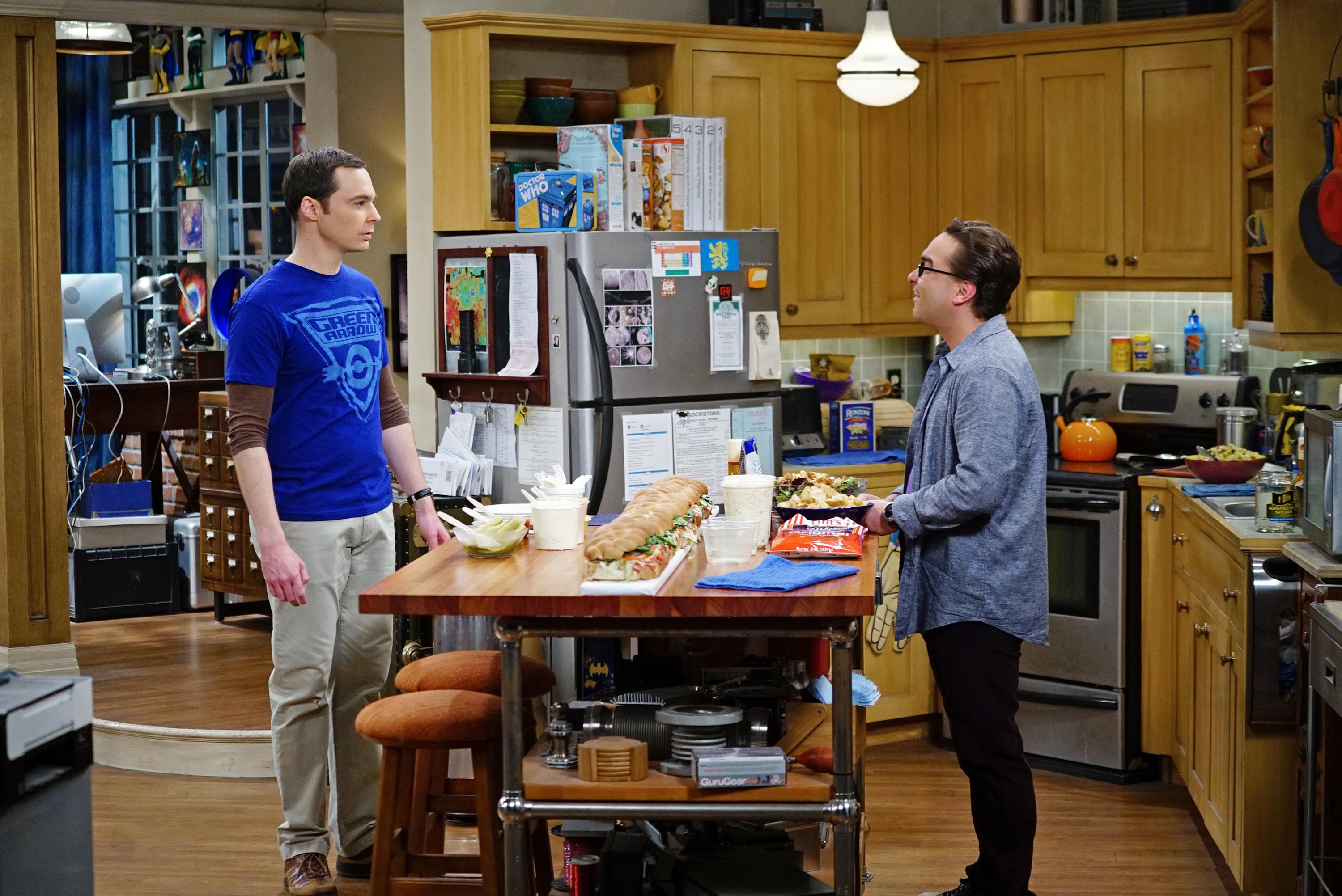 Parsons and Galecki in an episode of the big bang theory