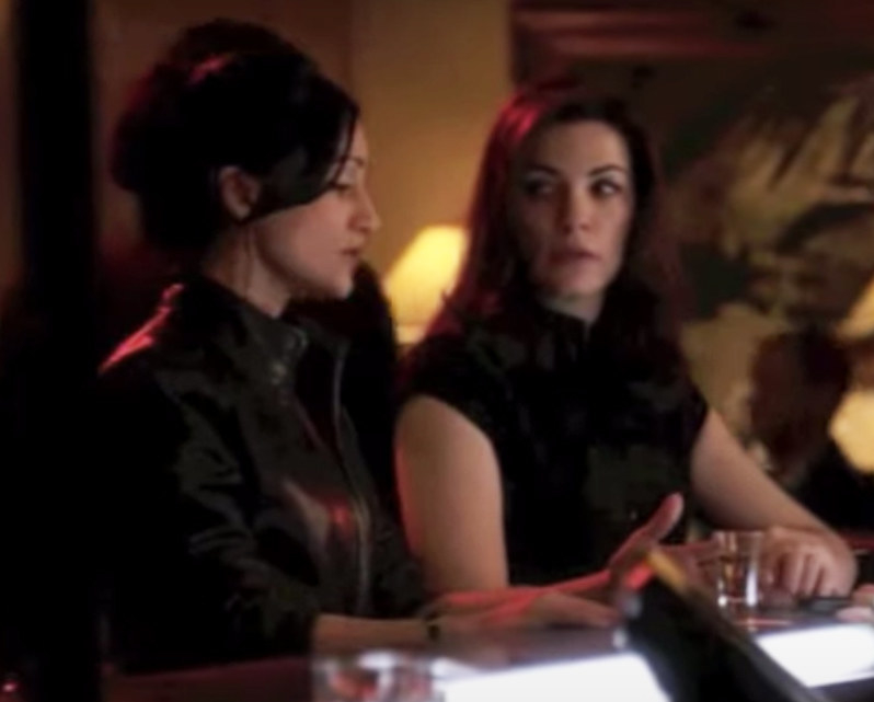Alicia and Kalinda share a drink