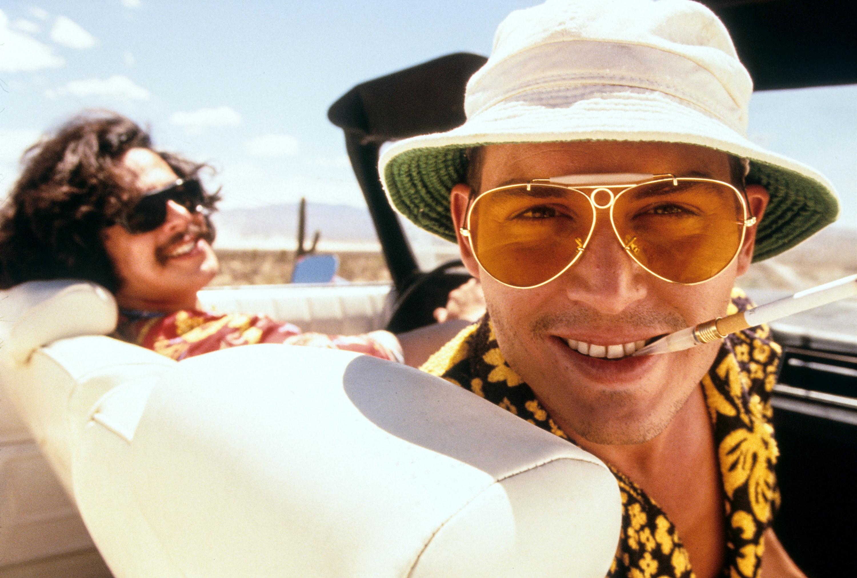 Johnny Depp and Benicio Del Toro in the convertible