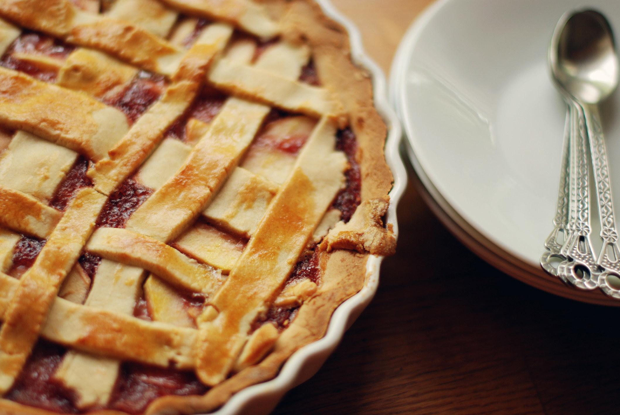 pie with broken lattice