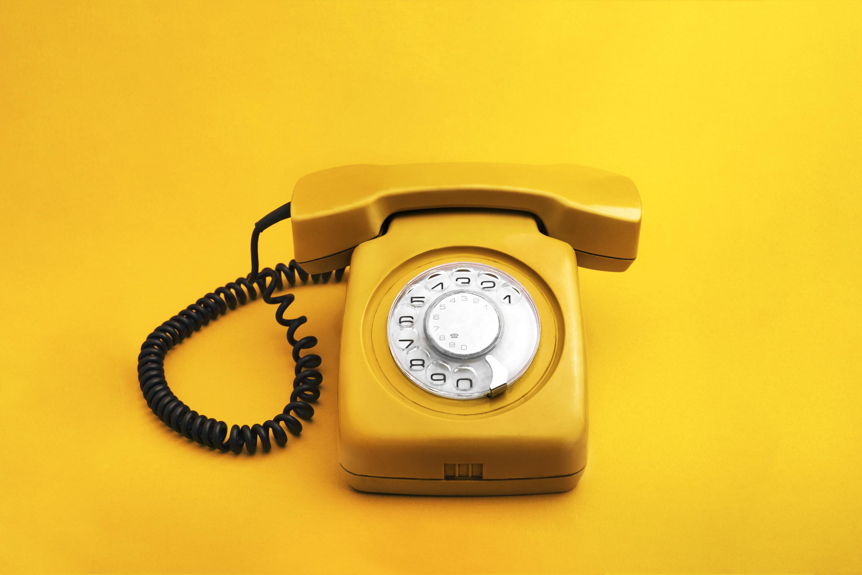 An old-school rotary telephone.