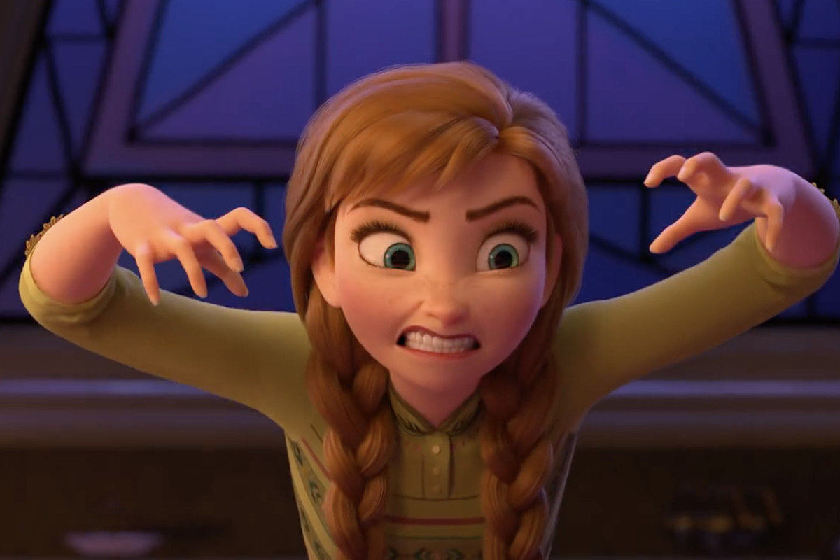anna with hands in claw shape