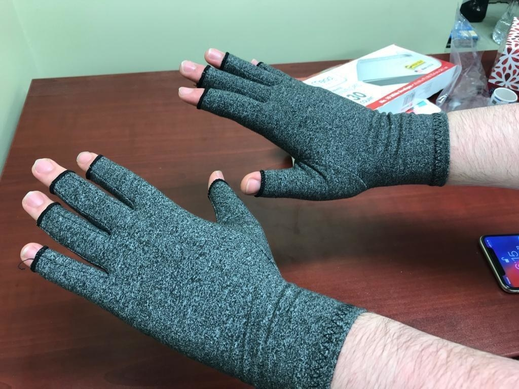 a reviewer wearing the gloves