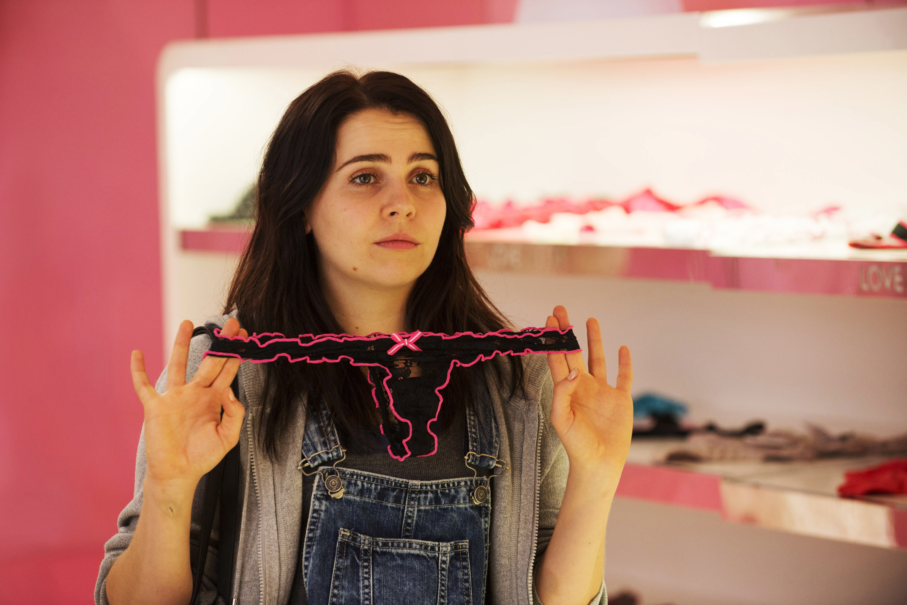 """Mae Whitman holding a pair of underwear in """"The Duff"""""""