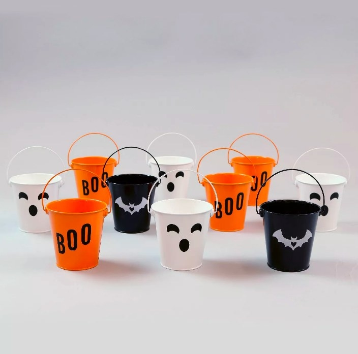 The 10 multi-colored pails