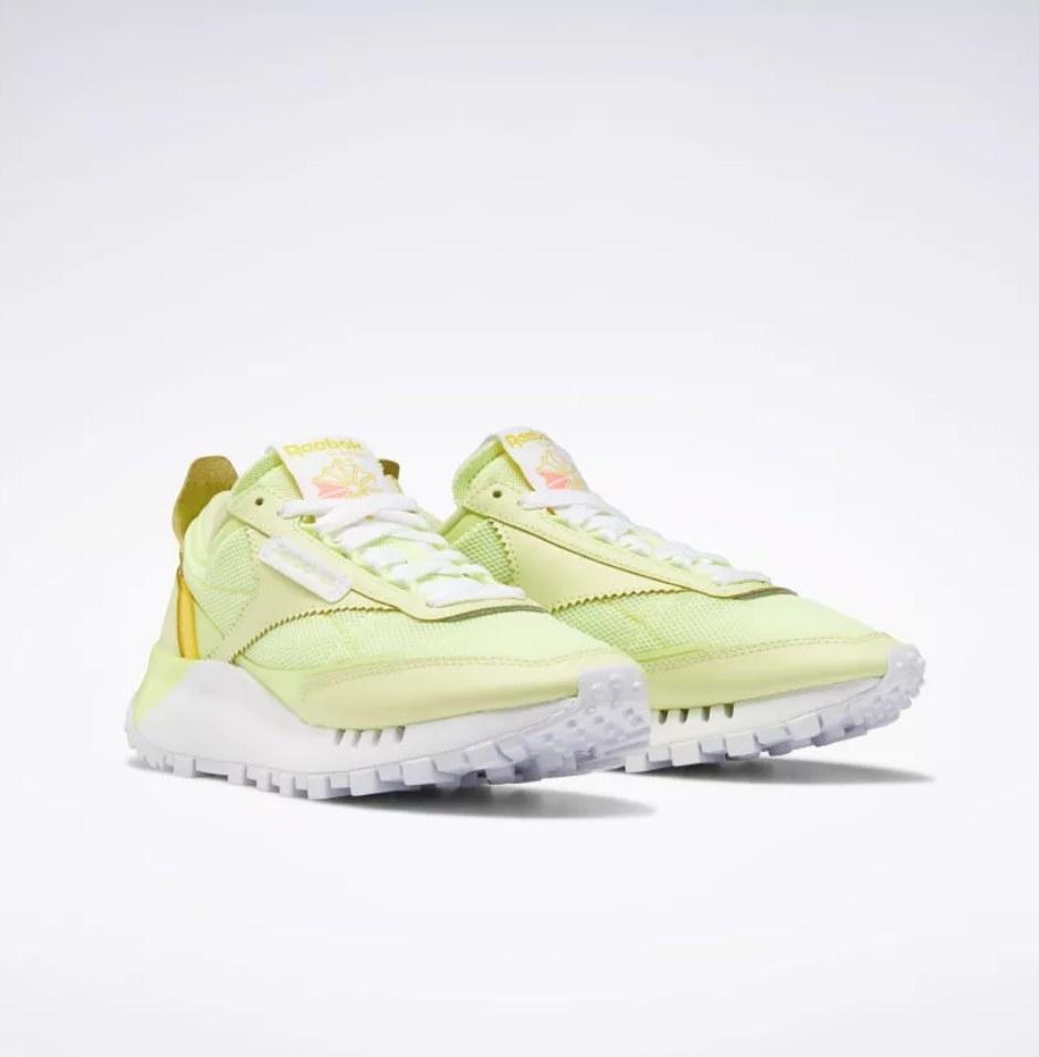 the sneaker in green