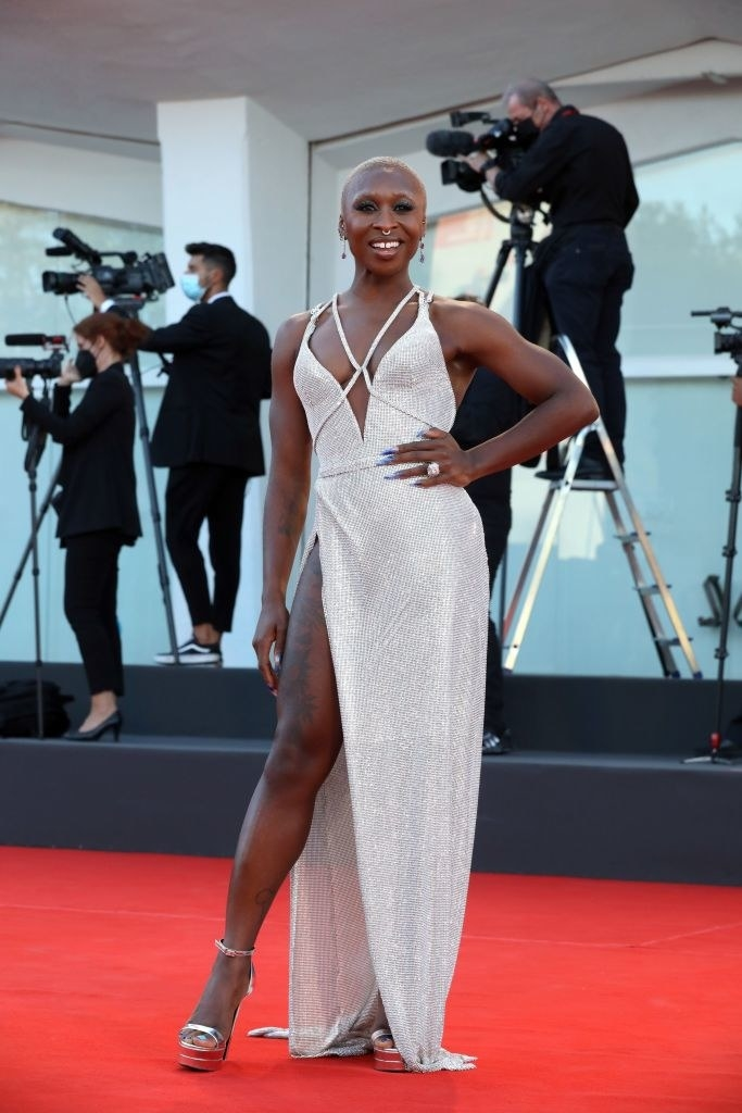 """Cynthia Erivo attends the red carpet of the movie """"Madres Paralelas"""" in a glittering silver gown"""