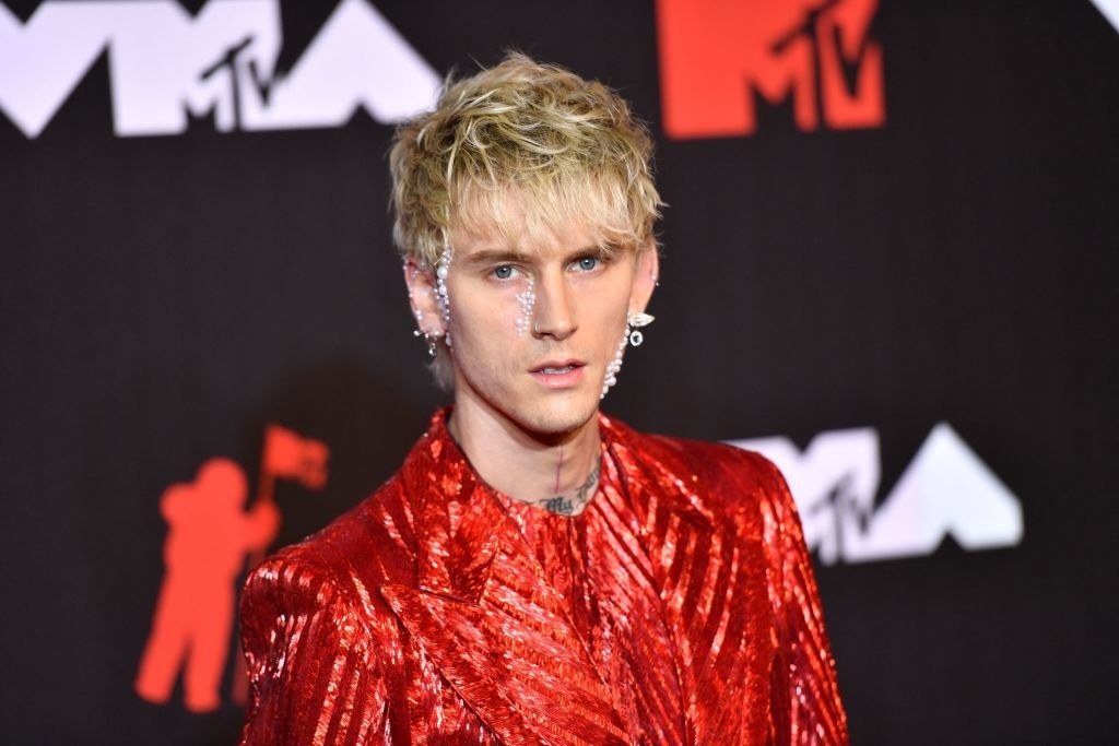 Machine Gun Kelly arrives for the 2021 MTV Video Music Awards