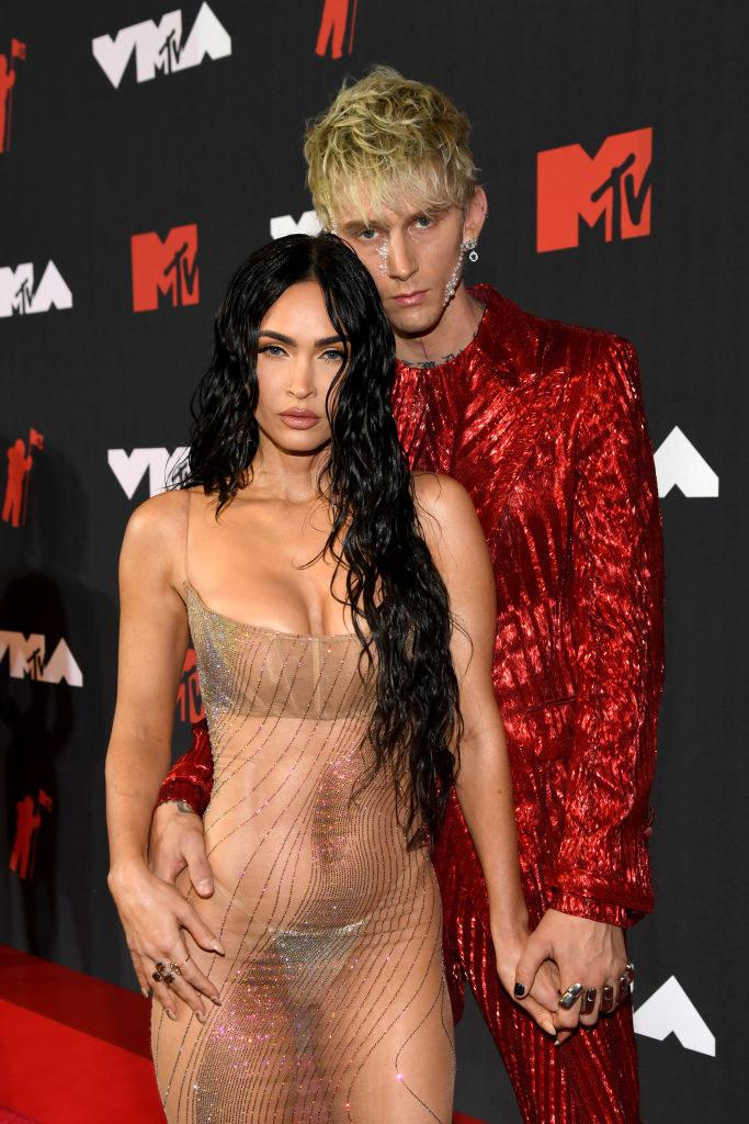 (L-R) Megan Fox and Machine Gun Kelly attend the 2021 MTV Video Music Awards