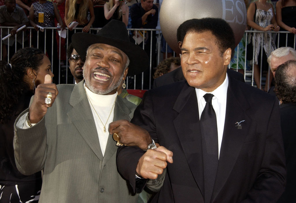 the men arrive arm in arm at the 2002 ESPY Awards