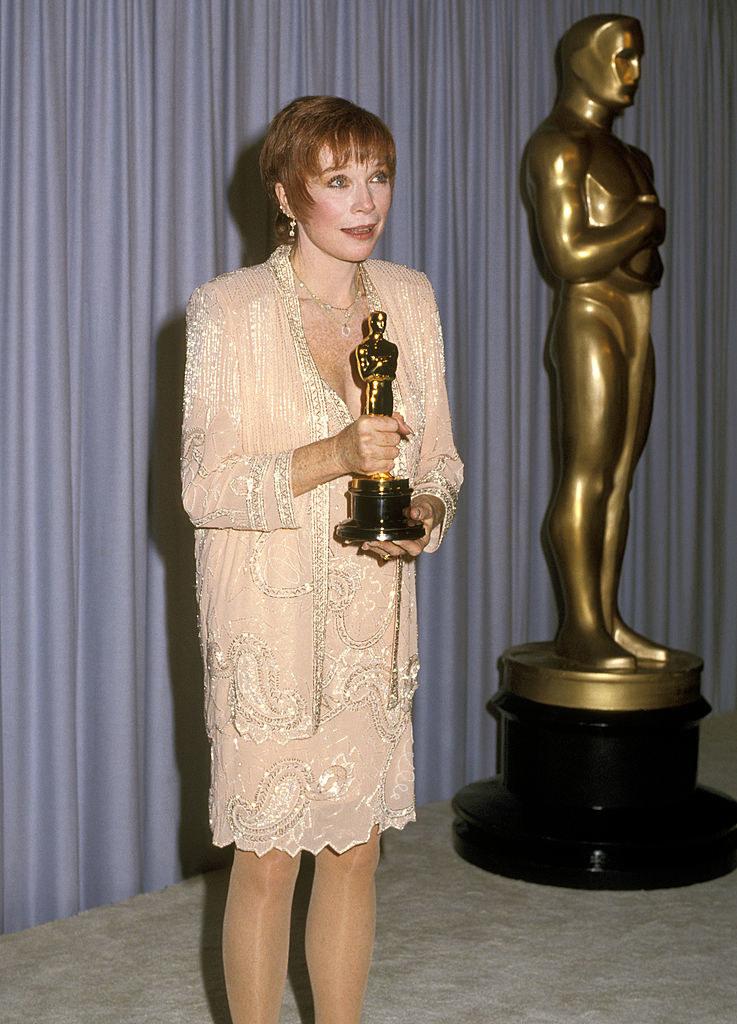 MacLaine holding her Oscar