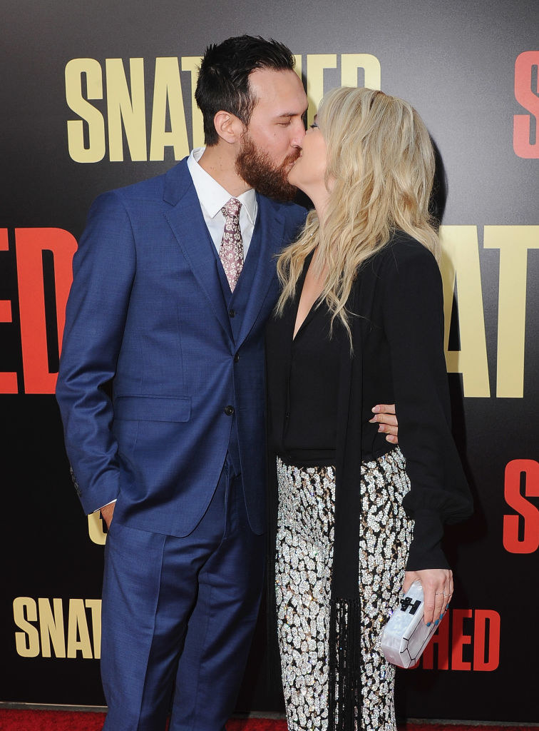 """ate Hudson and boyfriend Danny Fujikawa arrive at the Los Angeles Premiere """"Snatched"""""""
