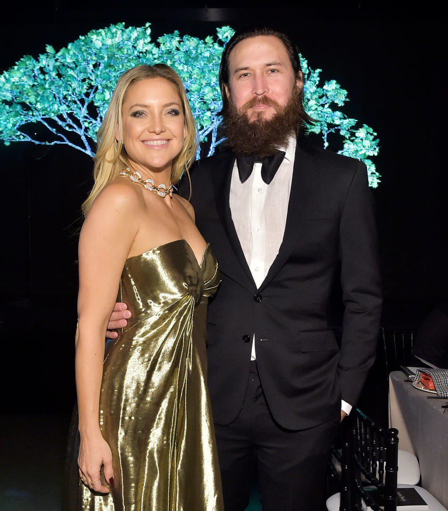 Kate Hudson (L) and Danny Fujikawa attend the 2019 Baby2Baby Gala presented by Paul Mitchell