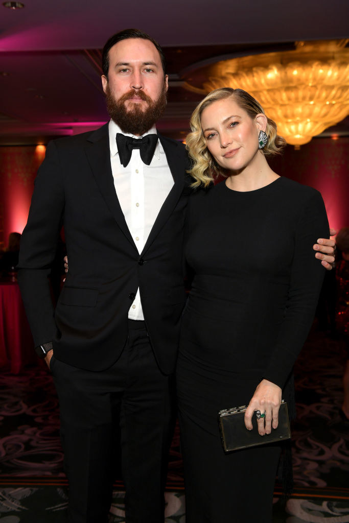 """Danny Fujikawa (L) and honoree Kate Hudson attend WCRF's """"An Unforgettable Evening"""""""