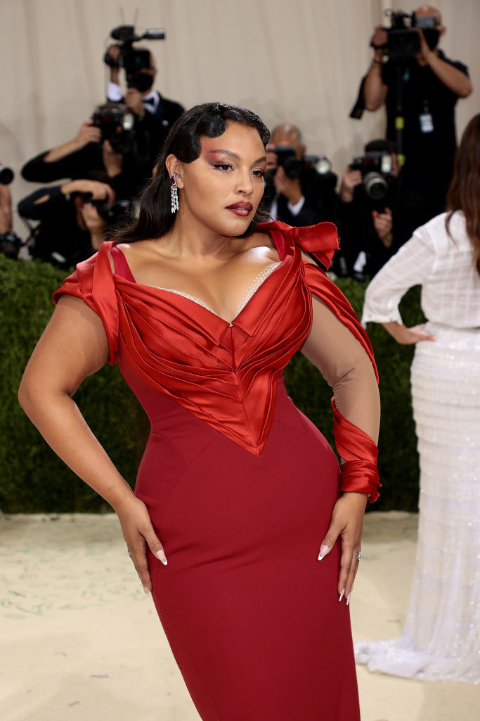 A close up ofPaloma Elsesser as she poses on the Met Gala carpet