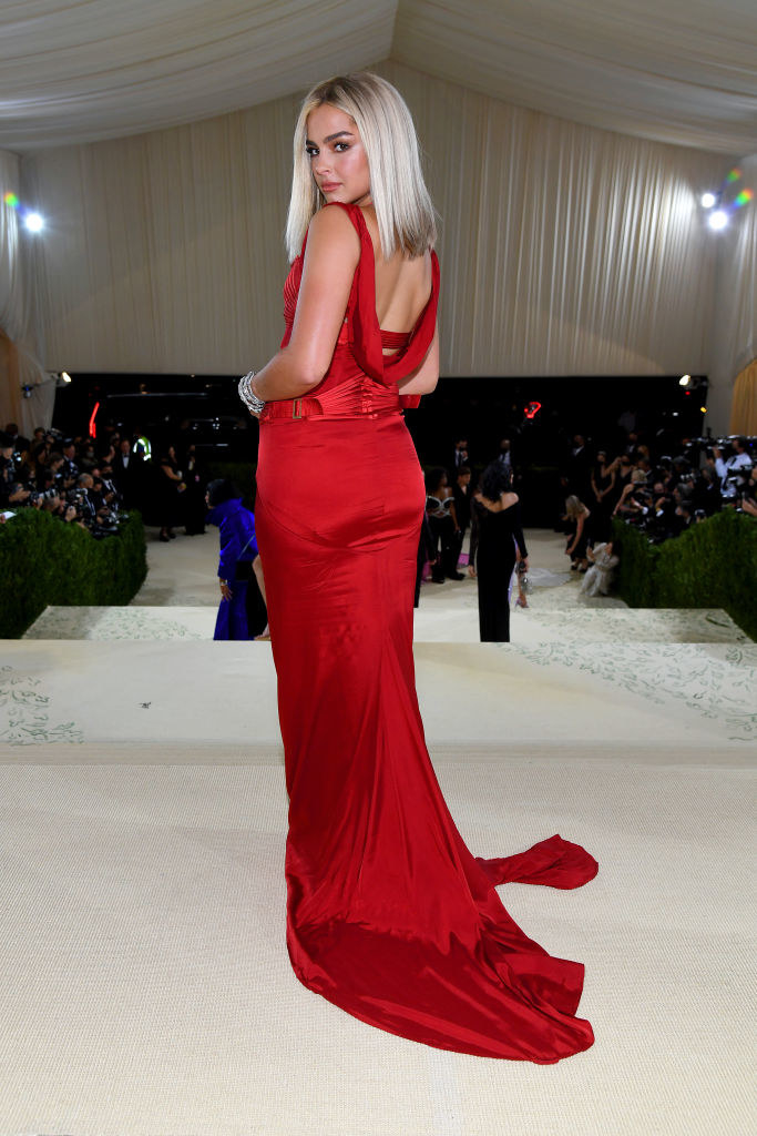 Addison Rae shows off the scoop neck back of her gown