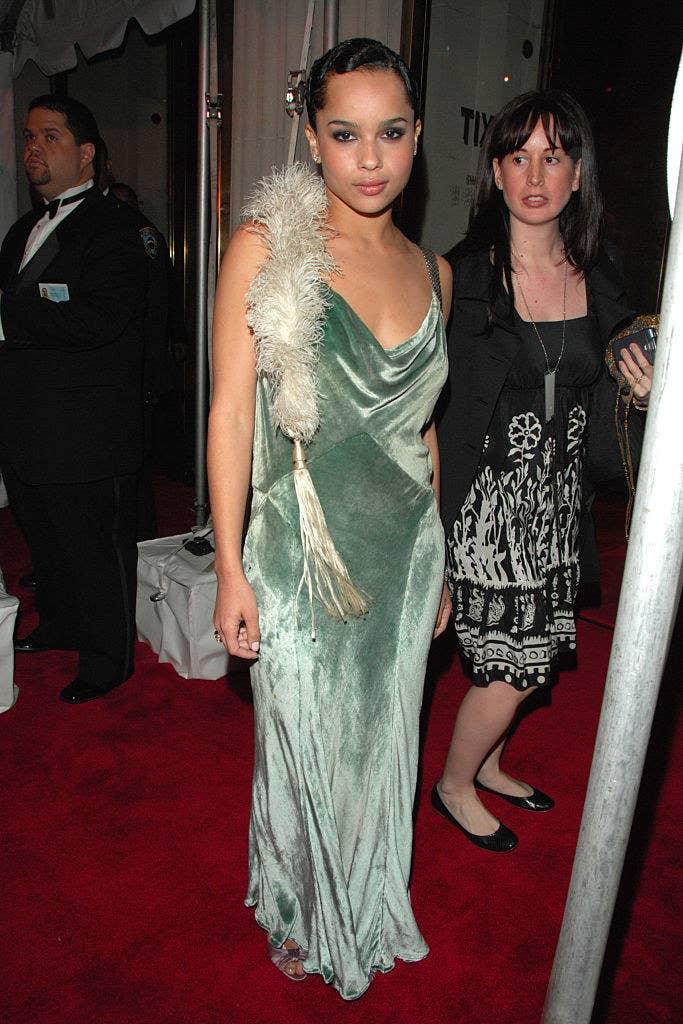 Zoe wore a flapper-inspired velvet gown