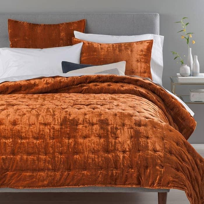 the velvet bedding in copper