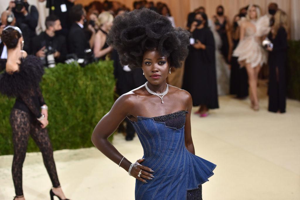 Lupita Nyong'oarriving at the 2021 Met Gala