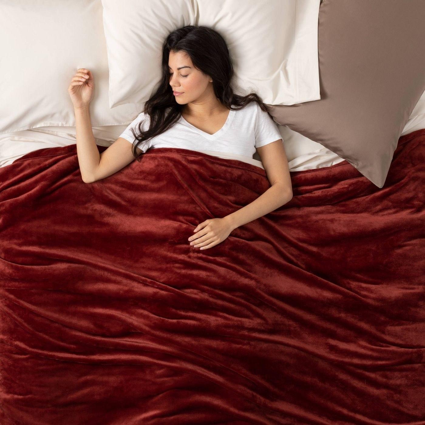 the blanket in dark red