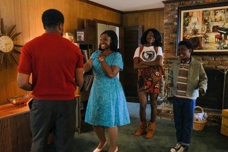 """Dulé Hill as Dean's father, Saycon Sengbloh as  Dean's mother, Laura Kariuki as Dean's sister, and Elisha """"EJ"""" Williams as Dean"""