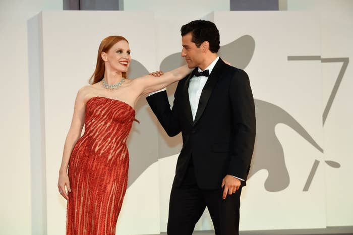 Jessica Chastain (L) and Oscar Isaac on the red carpet